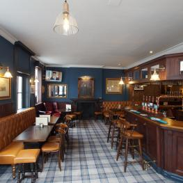 Duke of Wellington, Belgravia - bar